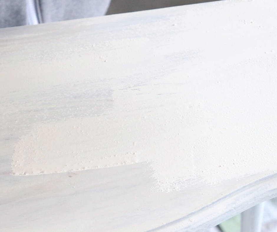 how to paint with Miss Mustard Seed milk paint  #milkpaint #missmustardseed #farmhouse #white #paint