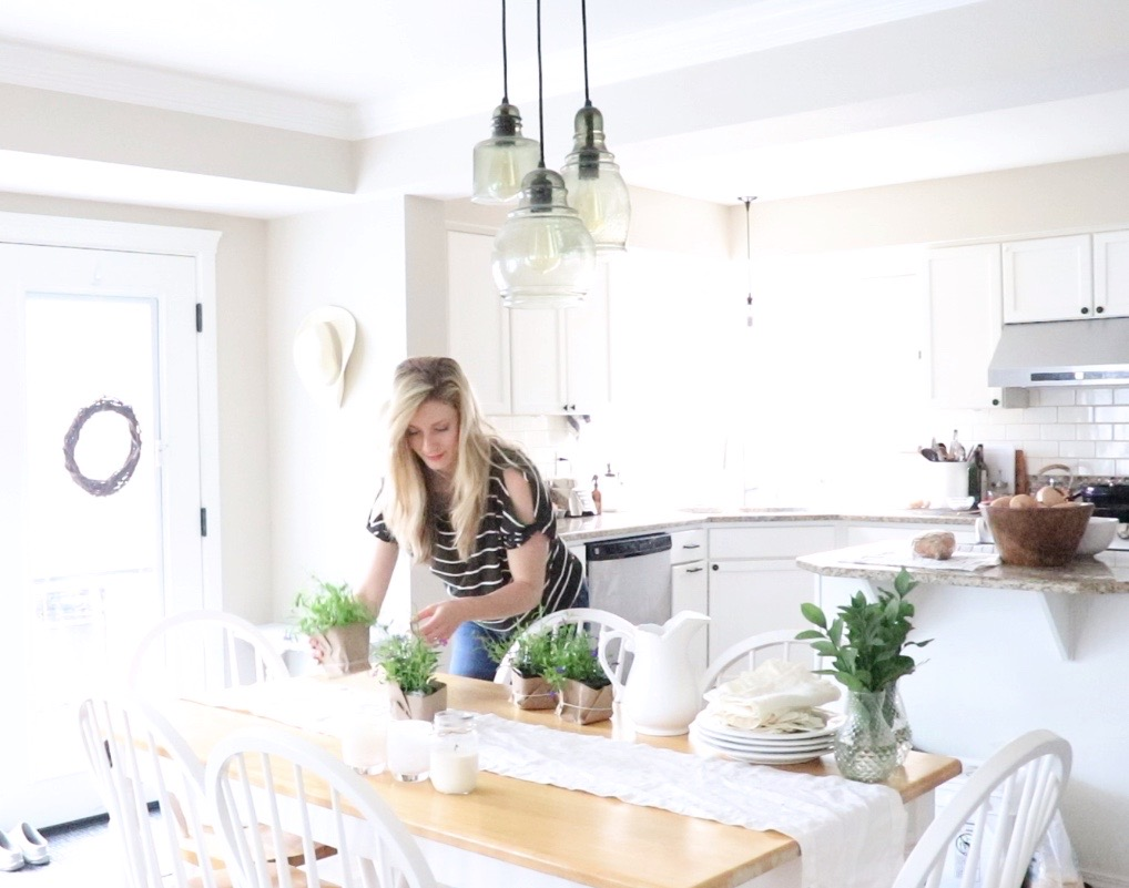 decorating the farmhouse dining table