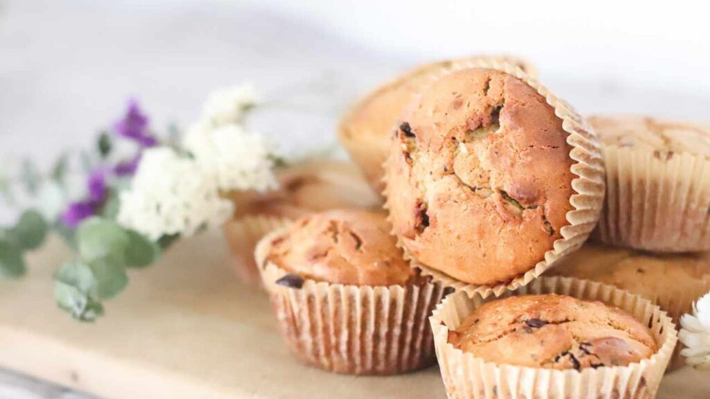 Protein pregnancy muffins for maternity. The perfect late afternoon snack for the mama to be!